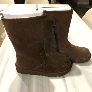 NIB Brown UGGS